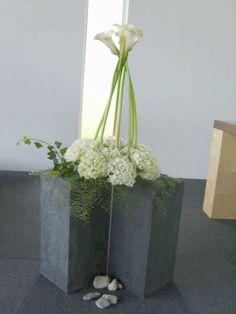 Church Flower Arrangements, Floral Arrangements, Church Ideas, Plant Hanger, Container Gardening, Flower Designs, Floral Design, Bouquet, Candles