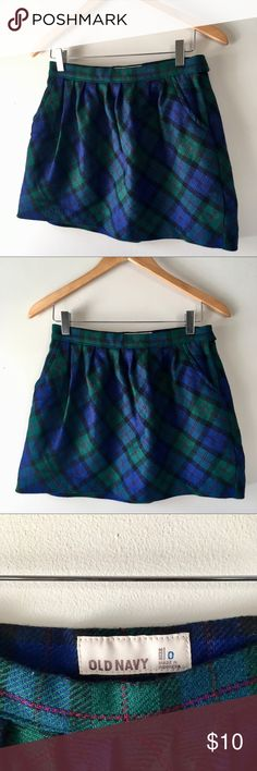 Old Navy plaid skirt Old Navy * blue and green plaid skirt * a winter staple * side zip * size 0 * in good condition, no damage Old Navy Skirts Mini