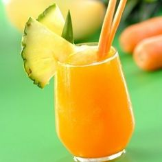 Smoothie with pineapple, apple and carrot Smoothie mit Ananas, Apfel und Karotte , Smoothie with pin Healthy Smoothies For Kids, Low Carb Smoothies, Breakfast Smoothies, Healthy Drinks, Carrot Smoothie, Smoothie Drinks, Detox Drinks, Smoothie Recipes, Snacks Für Party