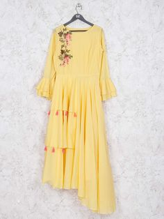 Shop Yellow hue designer cotton kurti online from India Brand - Product code - Price - 5045 Color - Yellow Fabric - Cotton Plain Kurti Designs, Simple Kurti Designs, Kurta Designs Women, Blouse Designs, Latest Kurti Designs, Stylish Dresses For Girls, Simple Dresses, Designer Kurtis Online, Simple Dress Pattern