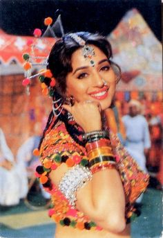Blast from the past Bollywood Cinema, Indian Bollywood Actress, Bollywood Girls, Vintage Bollywood, Bollywood Stars, Bollywood Celebrities, Indian Actresses, Madhuri Dixit Hot, Bollywood Hairstyles