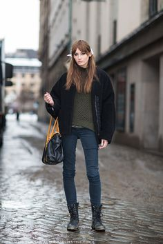 Molly Myrsten. #Offduty and of course having a black out moment, but hey, foxy bag, Carolines Mode | StockholmStreetStyle