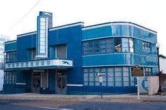 in jackson, mississippi. now a landmark and an architect's office. Bauhaus, Bus City, Buses And Trains, Bus Terminal, Streamline Moderne, Art Deco Buildings, Busa, Bus Travel, Bus Station