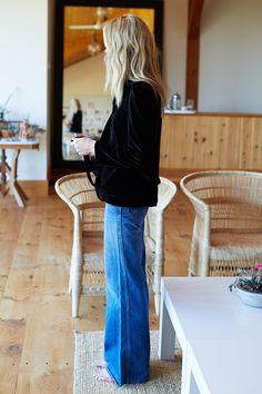 Emerson Fry Velvet Paris Jacket - Black on Garmentory Fashion Tips For Girls, Petite Fashion Tips, Looks Style, My Style, Cool Girl Style, Black Velvet Jacket, Black Velvet Dress, Pantalon Large, Fashion Looks