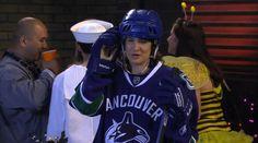Vancouver Canucks x Reebok x NHL jersey worn by Cobie Smulders in HOW I MET YOUR MOTHER: THE SLUTTY PUMPKIN RETURNS (2011) #VancouverCanucks @reebok @NHL Comedy Tv Series, Nhl Jerseys, Cobie Smulders, Vancouver Canucks, How I Met Your Mother, Sports Teams, Reebok, Pumpkin, Pumpkins