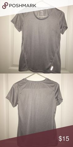 Reebok Dri-Fit workout top Washed but never worn ladies Reebok workout too in size small. Reebok Tops Tees - Short Sleeve