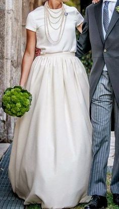 - When I marry a sheep farmer - Hochzeit Wedding Bride, Wedding Gowns, Bridal Dresses, Flower Girl Dresses, Casual Wedding Dresses, Parisienne Chic, Vestidos Vintage, White Outfits, Mode Outfits