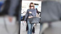 Jennifer Lopez se mantiene calmada luego que un payaso la llena de confeti