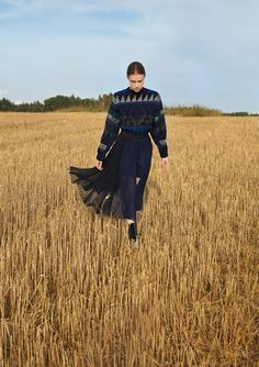 visual optimism; fashion editorials, shows, campaigns & more!: some kind of blue: isabell andreeva by wai lin tse for lula #19 fall / winter 14.15
