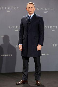 Daniel Craig stylish blue black navy spectre top coat