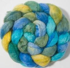 Hand painted fibre, Blue Faced Leicester, sparkles, Trilobal nylon, hand dyed roving, spinning wool, sparkly fiber, colour Beatriz by YummyYarnsUK