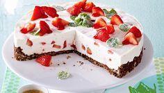 Erdbeer-Buttermilch-Torte Rezept - Rama Cremefine