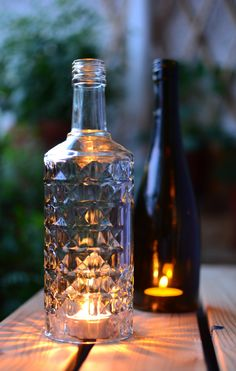 Upcycling: Selbstgemachtes Windlicht aus einer alten Glasflasche | SoLebIch.de