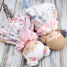 Everybody\'s waking and stretching and getting excited for today\'s #etherealspringcollection restock today! So many pretty ladies in this release happening at 1:00pm (CST) That\'s about five hours from now #spuncandydolls #restocktoday #clothdoll #fabricdoll #heirloomdoll #dollmakersofinstagram #etsyshop #etsyseller