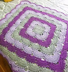 Crochet Afghans Patterns Free pattern for crochet infant blanket How to make a Crochet blanket blanket handmade is a special gift for any baby. Crochet Motifs, Crochet Quilt, Crochet Squares, Crochet Home, Baby Blanket Crochet, Crochet Crafts, Crochet Stitches, Crochet Projects, Free Crochet