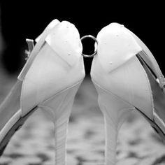 Wedding picture ideas :)