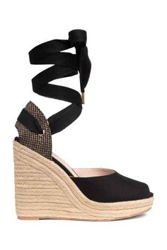 Espadrilles in cotton canvas with braided jute trim around soles, wide tie around ankle, and open toes. Faux leather lining and insoles. Heeled Espadrilles, Espadrille Sandals, Stylish Shoes For Women, Jute, Braided Sandals, Estilo Boho, Hot Shoes, Wedge Sandals, Shoes Sandals