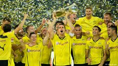 Borussia Dortmund are poised for the Champions League's quarter-finals after Robert Lewandowski scored twice in Tuesday's win at Zenit St Petersburg in their last first-leg clash. Maillot Dortmund, Crystal Palace Fc, Robert Lewandowski, Champions League, Real Madrid, Football, Running, Game, World Football