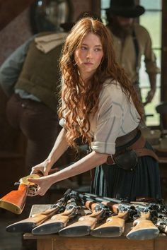 Emma Cullen - Haley Bennett in The Magnificent Seven, set in the Haley Bennett Magnificent Seven, Magnificent Seven 2016, Le Far West, Female Characters, Pretty People, Red Hair, Lilac Hair, Pastel Hair, White Hair