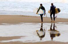 """""""Ser feliz no es tener una vida perfecta, ser feliz es reconocer que la vida vale la pena, a pesar de las dificultades."""" :http://www.surferrule.com/surf-y-olas-415/"""