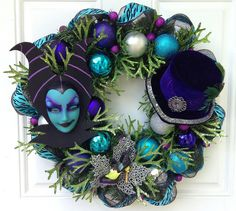 Halloween Wreath Maleficent Disney Villain-would also be cool in Alice in Wonderland theme Halloween Mesh Wreaths, Halloween Trees, Disney Halloween, Deco Mesh Wreaths, Holidays Halloween, Halloween Crafts, Happy Halloween, Halloween Party, Halloween Decorations