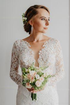 Projektantka sukien. Agnieszka Światły Lace Wedding, Wedding Dresses, Fashion, Bride Dresses, Moda, Bridal Gowns, Fashion Styles, Wedding Dressses