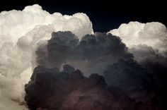 30 Examples of Cloud Art - From Natural Phenomena Photography to Illuminated Personal Clouds (TOPLIST) Storm Clouds, Sky And Clouds, Thunder Clouds, White Clouds, Colorful Clouds, Cloud Art, All Nature, Nature Story, Mother Nature