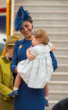 Kate Middleton Photos Photos - Catherine, Duchess of Cambridge and Princess Charlotte of Cambridge arrive at 443 Maritime Helicopter Squadron near Victoria international airport on September 24, 2016 in Victoria, Canada. - 2016 Royal Tour to Canada of the Duke and Duchess of Cambridge - Victoria, British Columbia