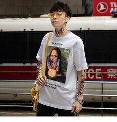 Hip Hop T Shirt Streetwear Men Funny Mona Lisa Harajuku Cotton – FuzWeb T Shirt Streetwear, Style Streetwear, Japanese Streetwear, Streetwear Brands, Camo Denim Jacket, Estilo Hipster, Moda Blog, Style Japonais, Japanese Street Fashion