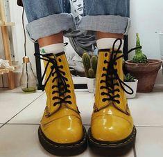 c4cf74ebd Coturnos, Coisa Linda, Sapatos Doidos, Amarelo, Melhores Sapatos, Sapatos E  Meias