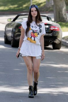 Lana in Los Angeles (Aug. 13, 2013)