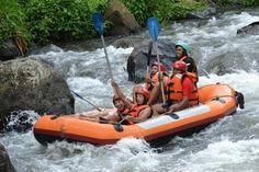 Inilah keseruannya bermain aktifitas Rafting di Bali Rasa takut, gembira, gemetar semua bercampur aduk jadi satu,  jangan lewatkan kesempatan ini selama di Bali Pesan sekarang dan dapatkan harga spesial langsung booking di website kami Ingat #bali pasti ingat sama #tripsbali