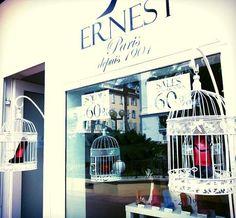 Boutique MAISON ERNEST Cannes 20 rue des Serbes 06400 Cannes  Ouvert du lundi au samedi de 10h à 13h et de 15h à 19h Jusqu'au 31 août uniquement www.maisonernest.com