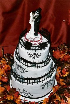 gothic wedding cakes | ... Wedding Reception | Gothic Wedding PlannerGothic Wedding Planner