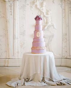 Wishing a majestically sweet weekend 💖🍰 with this #weddingcakemasterpiece by @schnabulerie 🥂 📷 @nikolbodnarovaphotography 🌺 @hanaholdener 🏡 @schloss_hof  #luxuryweddingcake #violetwedding #ultraviolet #palacewedding #castleweddingvenues #europeancastle #europeanweddingplanner #destinationweddingplanner #luxuryweddingplanner #weddingabroad #marryabroad #elopement #elopetoeurope #weddingplanner #weddingdesigner #luxewedding Luxury Wedding Cake, Luxe Wedding, Summer Wedding, Violet Wedding Cakes, European Wedding, Wedding Abroad, Strictly Weddings, Destination Wedding Planner, Queen