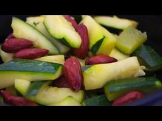Cocotte micro minute Tupperware recette courgettes aux amandes - YouTube