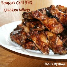 Kamado Grill BBQ Chicken Wings are moist, tender and delicious when cooked on a Kamado grill. So easy to make and no flare ups either. Smoked Chicken Wings, Grilled Chicken Wings, Grilled Chicken Recipes, Chicken Wing Recipes, Grilling Chicken, Grilled Food, Chicken Legs, Marinated Chicken, Fried Chicken