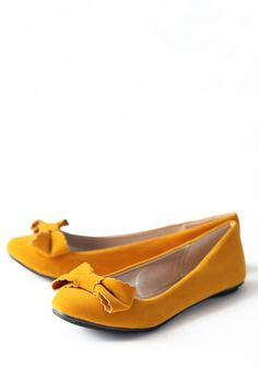 Yellow wedding shoes for sunshine-y toes