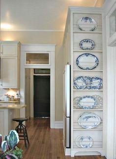 Feet on bottom of floor to ceiling Plate Rack  l  5 Favorite DIY Farmhouse Plate Racks