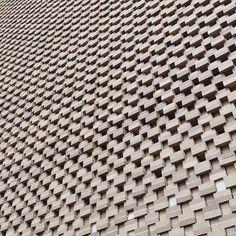 Bricks 🤖 #herzogdemeuron #tatemodern #switchouse #london #brick #gallery #interior #architecture #architecturestudent #arquiteta #arquitetura #art #design #detail #construction #concrete #superarchitects #building #minimal #vsco #vscocam