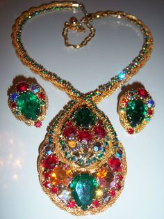 VTG JULIANA  COLORFUL RHINESTONE GOLD MESH NECKLACE EARRING SET  ~~BOOK PIECE~~