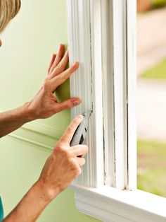 DIY replacement Windows Using common carpentry tools, you can install a sash kit or window insert from inside your home without destroying the surrounding interior molding or exterior casing. Diy Window Replacement, Installing Replacement Windows, Window Inserts, Window Repair, Home Fix, Diy Home Repair, House Windows, Home Repairs, Diy Home Improvement