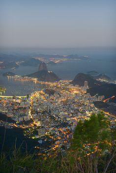 Trooppista Rio de Janeiroa leimaavat hulppeat maisemat ja brasilialainen rentous