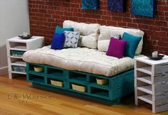 Turquoise Couch Wood pallet furniture for Momoko & Fashion Royalty Playscale Dioramas Recycled Pallet Furniture, Pallet Furniture Designs, Pallet Designs, Diy Furniture, Furniture Projects, Pallet Projects, Diy Projects, Project Ideas, Diy Pallet Couch