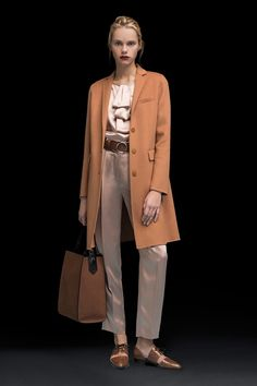 Emporio Armani Pre-Fall 2018 Collection nude pants camel coat