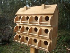PURPLE MARTIN BIRD HOUSE WITH 12 COMPARTMENTS WESTERN RED CEDAR* BIRDS. Perrrrrfect design for French country garden!!!