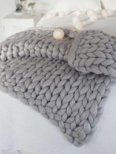 Buy clootess Chunky Knit Blanket Merino Wool Hand Made Throw Boho Bedroom Home Decor Giant Yarn (Light Gray 40 online - Perfectfurniture Knot Blanket, Chunky Knit Throw Blanket, Giant Knit Blanket, Afghan Blanket, Knitted Blankets, Merino Wool Blanket, Wool Yarn, Valentine's Day, Warm Blankets