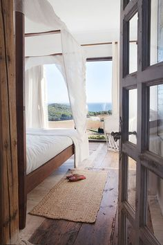 AN ARTIST'S HOME AT THE COSTA BRAVA   the style files