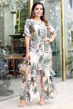 Couture Dresses, Women's Fashion Dresses, Boho Fashion, African Fashion Traditional, Classy Work Outfits, Frock Design, Summer Dress Outfits, Knee Length Dresses, Simple Dresses