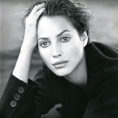 Christy Turlington for Cle de Peu